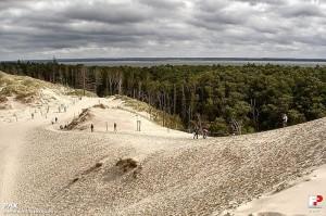 Słowiński Park Narodowy. Widok z Łąckiej Góry na Jezioro Łebsko (fot.  PAX). przewodnik terenowy Pomorskie - Kaszuby
